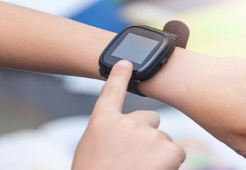 smartwatch for kid with gps