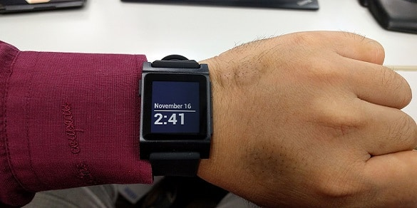 smartwatch with exceptional long battery timing