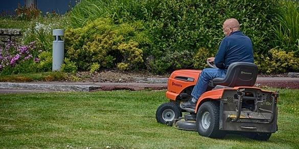best riding lawn mower for 1 acre land area